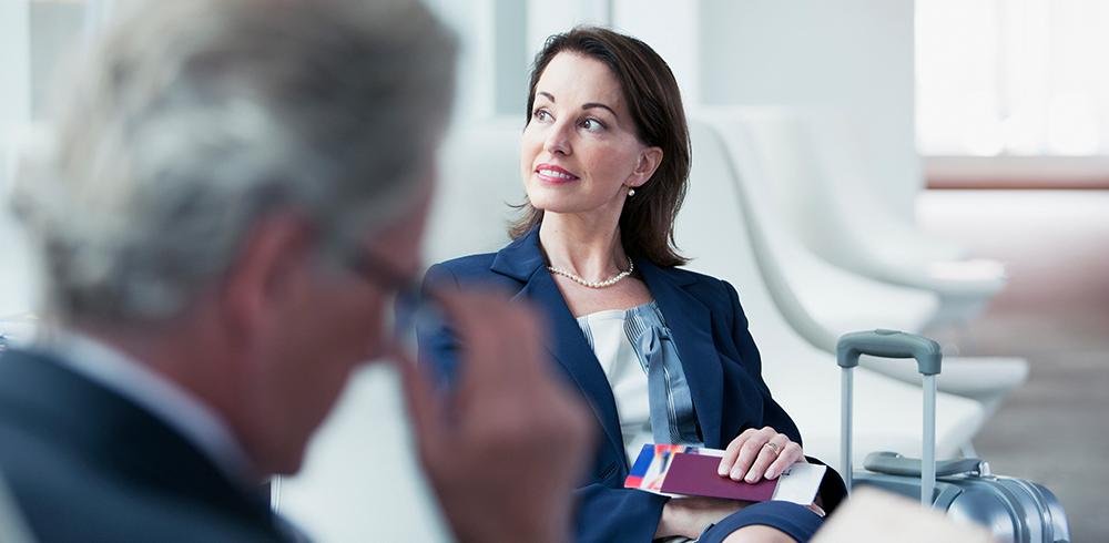 Businessfrau mit Reisepass